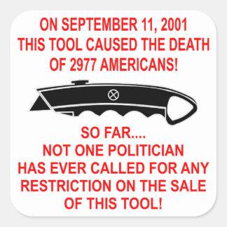 En 9-11 esta herramienta (un cortador de la caja) pegatina cuadrada