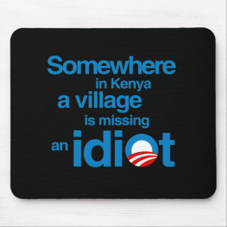 En alguna parte en Kenia, un pueblo está faltando  Alfombrillas De Ratón