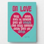 En amor. Cita del Lao Tzu Placas Para Mostrar