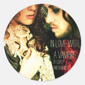 """""""En amor con el pegatina de un vampiro"""""""