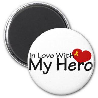 En amor con mi héroe imán de frigorífico