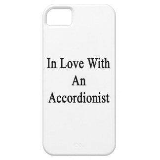 En amor con un acordeonista iPhone 5 Case-Mate fundas
