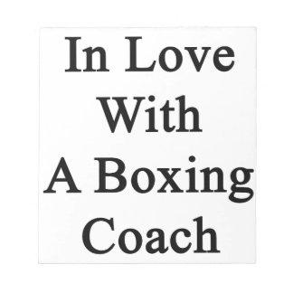 En amor con un coche del boxeo blocs de notas