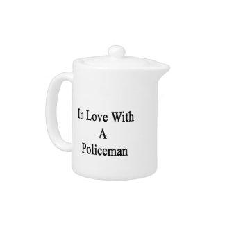 En amor con un policía