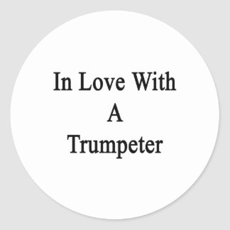 En amor con un trompetista etiquetas redondas