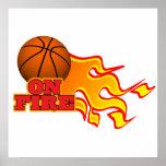 en baloncesto del fuego poster