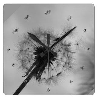 """""""en blanco y negro"""" by mysteryella reloj cuadrado"""