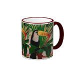 En casa en la taza de café de la fauna de Toucan d