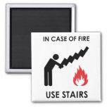 En caso de las escaleras del uso del fuego imán de frigorífico