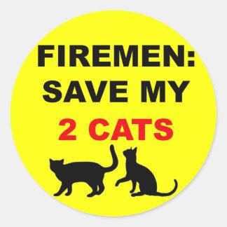 En caso de reserva del fuego mis dos gatos pegatina redonda