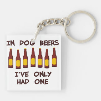 En cervezas del perro he tenido solamente uno llavero cuadrado acrílico a doble cara