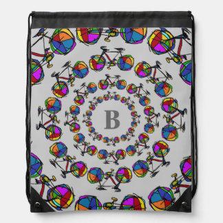 en círculos las bicicletas del color mochila