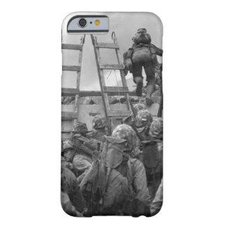 """En comparación con """"las orillas de la imagen de funda barely there iPhone 6"""