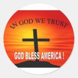En dios confiamos en 4 etiquetas redondas