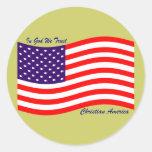 En dios confiamos en al cristiano América del ~ Pegatina Redonda