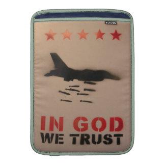 En dios confiamos en arte de la calle funda macbook air