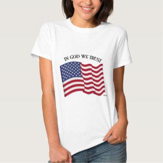En dios confiamos en con la bandera de los camisas