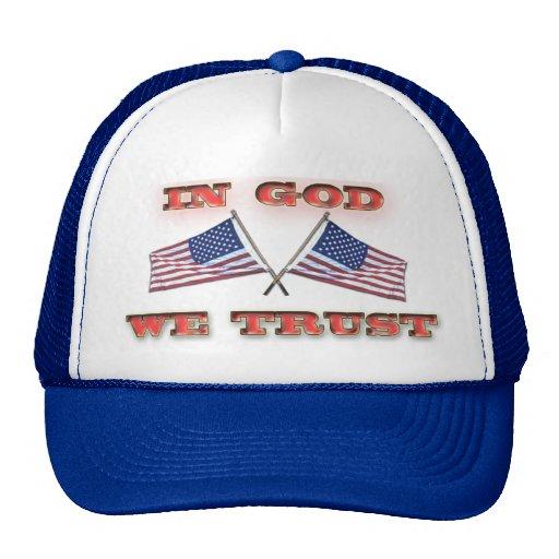 En dios confiamos en el gorra cruzado de las bande