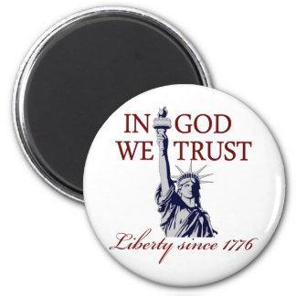 En dios confiamos en imán redondo 5 cm