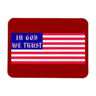 En dios confiamos en la bandera americana imán rectangular