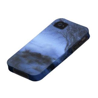En el caso duro del invierno del borde del mundo Case-Mate iPhone 4 carcasa