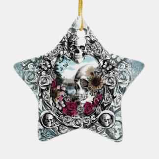 En el cráneo del paisaje del espejo adorno navideño de cerámica en forma de estrella
