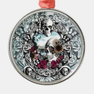 En el cráneo del paisaje del espejo ornamentos para reyes magos