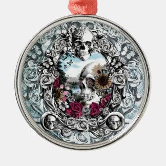 En el cráneo del paisaje del espejo ornatos