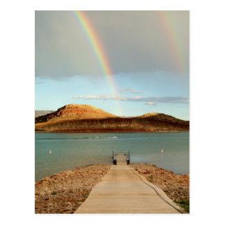En el extremo del arco iris tarjeta postal