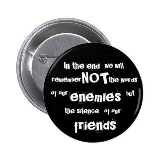 En el extremo, no recordaremos, las palabras,… pin redondo 5 cm