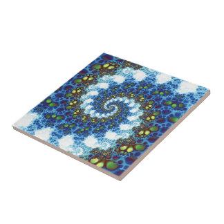 En el fractal espiral de las nubes azulejo cuadrado pequeño