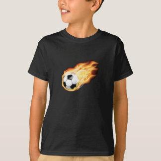 En el fuego para la camisa del fútbol