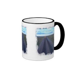 En el horizonte azul taza
