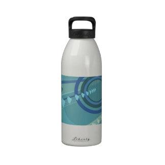 En el movimiento botella de beber