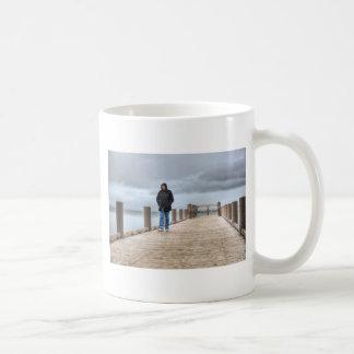 En el muelle taza