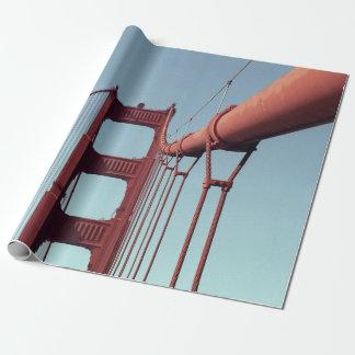 En el papel de regalo de puente Golden Gate
