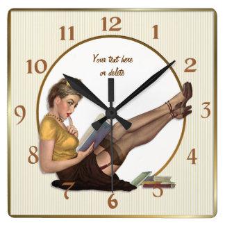 En el Pin de la rotura encima del bibliotecario -  Reloj Cuadrado