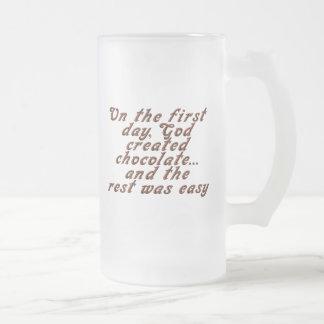 En el primer día, dios creó el chocolate… taza de cristal