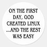 En el primer día, dios creó Linux… y el resto Etiqueta Redonda