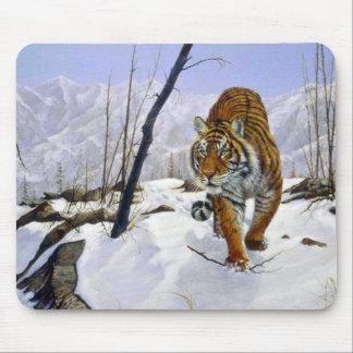 En el vagabundeo tigre siberiano tapetes de ratones