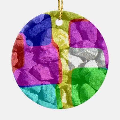 En espacio de color adorno navideño redondo de cerámica