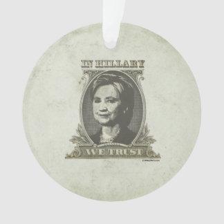 En Hillary confiamos en