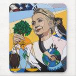 En honor de Hillary Mouse Pad
