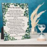 En jardín el himno florece la placa floral