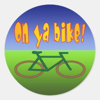 ¡En la bici de Ya! El ciclo va las emisiones cero Etiqueta Redonda