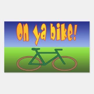 ¡En la bici de Ya! El ciclo va las emisiones cero Rectangular Pegatinas