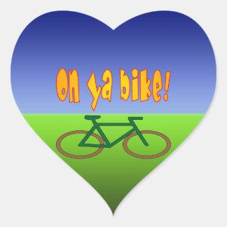 ¡En la bici de Ya! El ciclo va las emisiones cero Pegatina Corazón