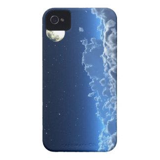 En la caja pálida de Blackberry del claro de luna Funda Para iPhone 4 De Case-Mate