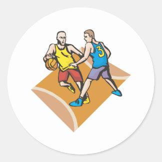 en la corte que bloquea diseño del baloncesto pegatina redonda