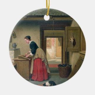 En la despensa, 1868 (aceite en el panel) adorno redondo de cerámica